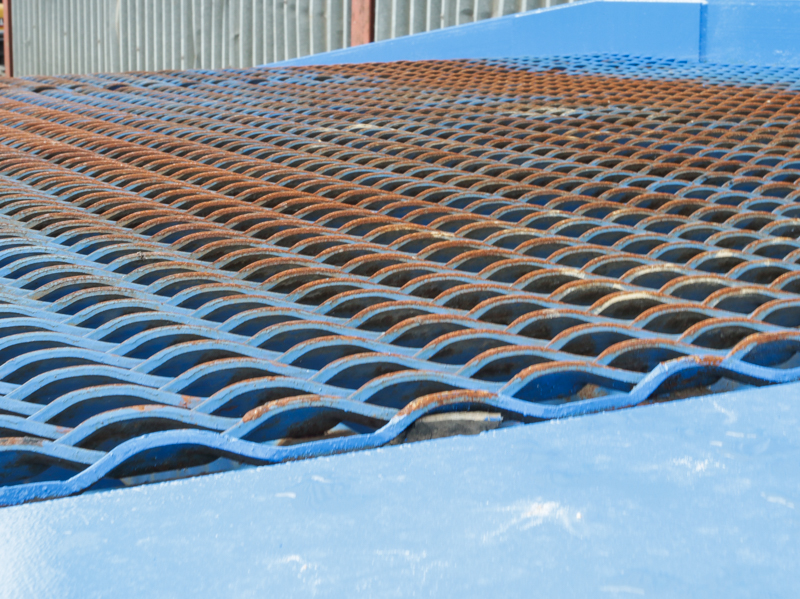 close-up on the blue loading ramp mesh